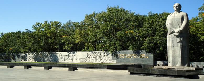 Savaş Anıtı - Kharkov