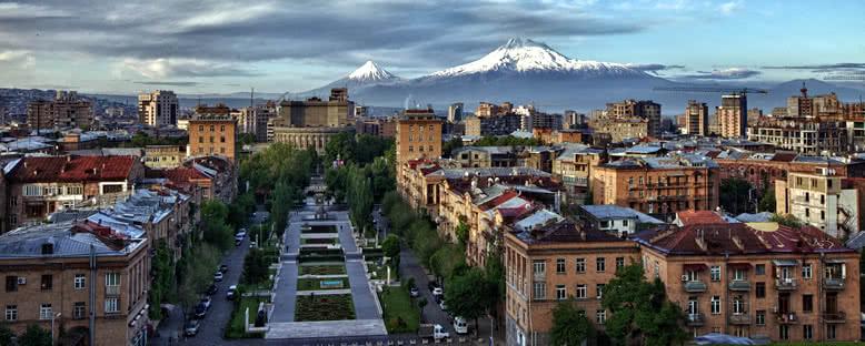 Şehir ve Ağrı Dağı - Erivan