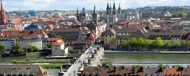 Şehir Manzarası ve Katedral - Würzburg