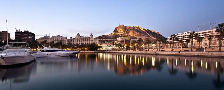 Şehir ve Santa Barbara Kalesi - Alicante