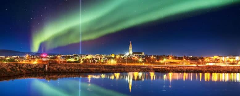 Şehir Üzerinde Işıklar - Reykjavik