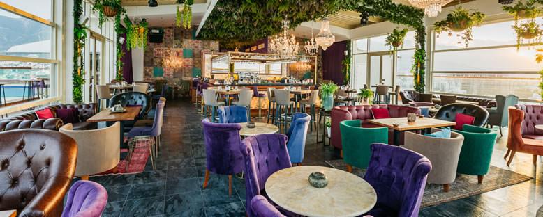 Sky Bar Lounge - Lord's Palace Hotel