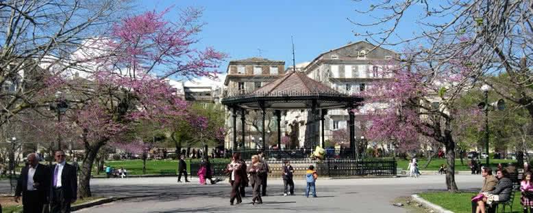 Spianada Meydanı - Korfu