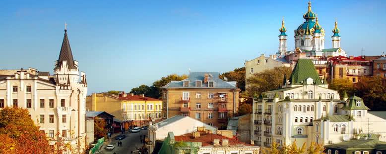 St Andrew Kilisesi ve Andreevsky Yokuşu - Kiev