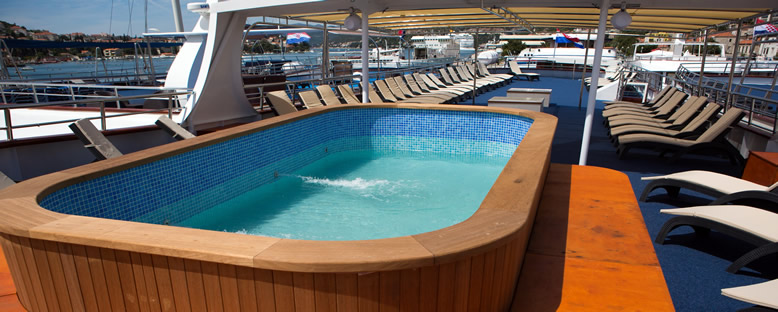 Sun Deck - MS Apolon