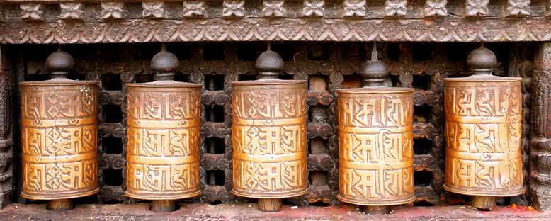 Swayambhunath Tapınağı'nda Dua Tekerleri - Katmandu