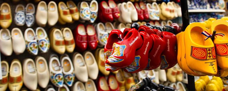Tahta Ayakkabılar - Amsterdam