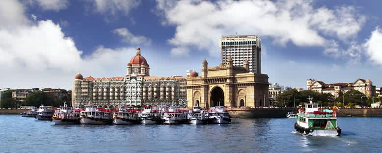 Taj Mahal Oteli ve Gateway of India Kapısı - Bombay