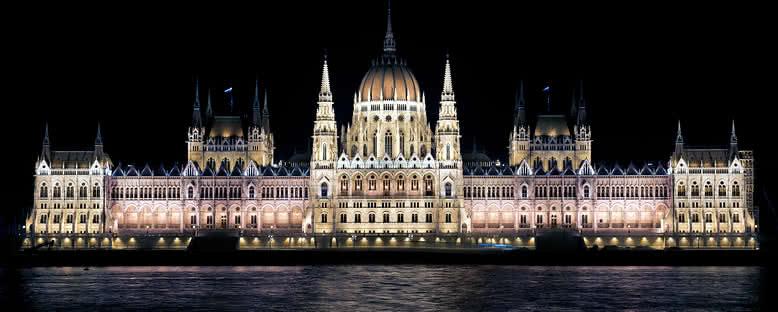 Tarihi Parlamento Binası - Budapeşte