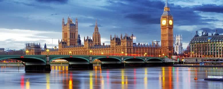 Thames Nehri Manzarası - Londra