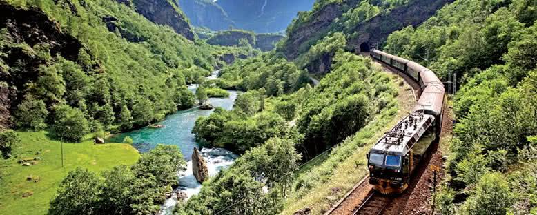 Tren Yolculuğu - Flam