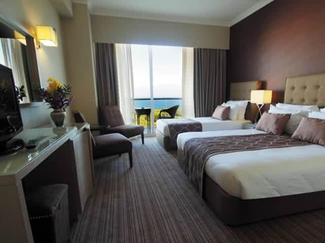 Üç Kişilik Deniz Manzaralı Oda - Acapulco Resort Hotel