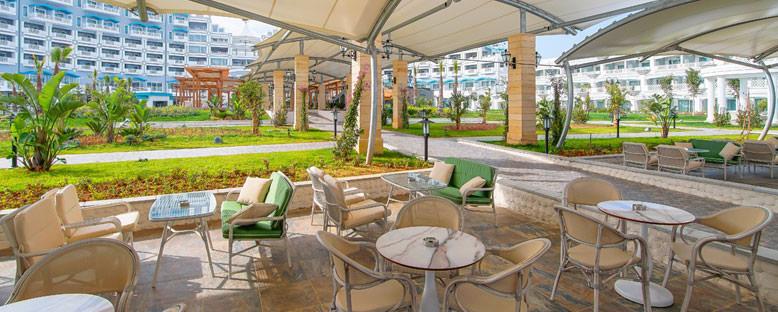 Limak Cyprus Deluxe Hotel - Uzakdoğu Restoran Pool Bar