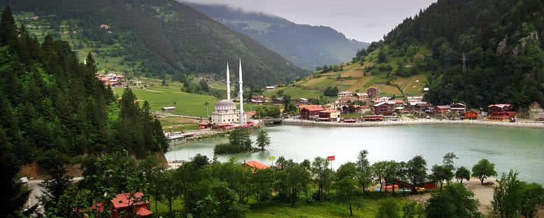 Uzungöl Kıyıları - Trabzon