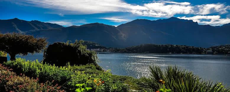 Yaz Mevsiminde Göl Manzarası - Como
