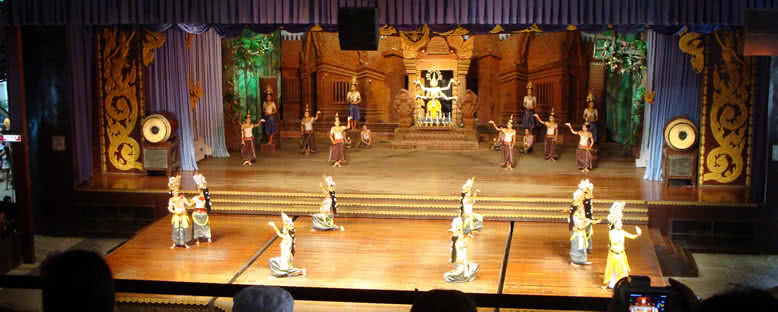 Yerel Dans Gösterileri - Pattaya