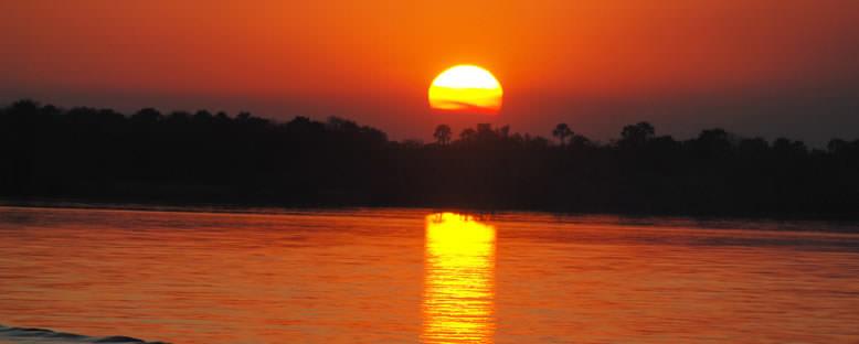 Zambezi Nehri'nde Gün Batımı - Zimbabwe
